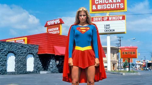 Helen Slater como Supergirl em 1984