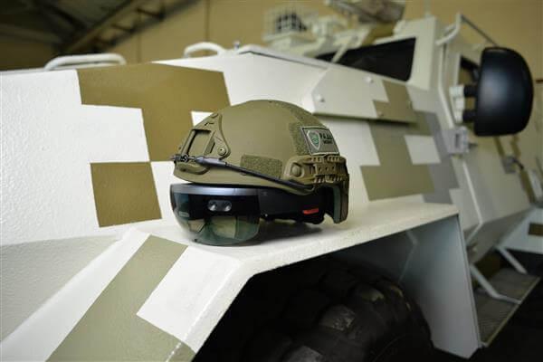 hololens-helmet