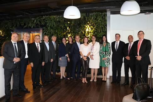 Paula Bellizia e outros 14 CEOs se reuniram para discutir a diversidade nas empresas